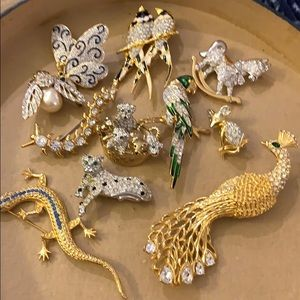 Lot of 10 animal brooches 💕